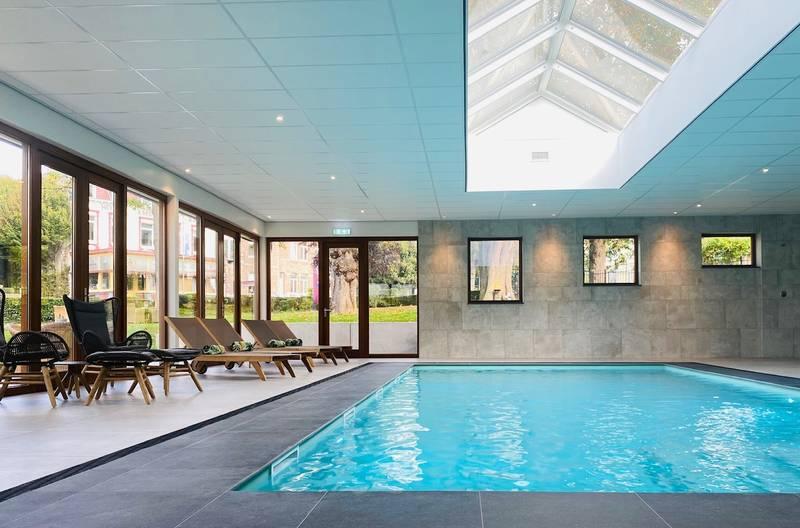 Hotel Limburg 2 honden toegestaan | Hotel Schaepkens - zwembad