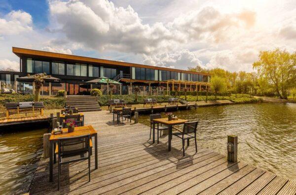 Postillion hotel Amersfoort Veluwemeer   hond welkom - aan het water